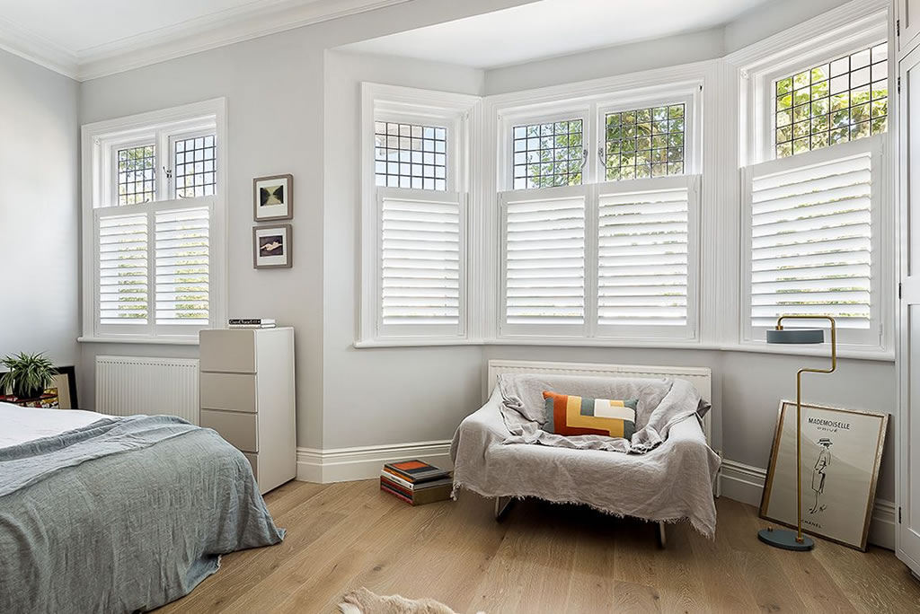 cafe-style-shutters-bay-window