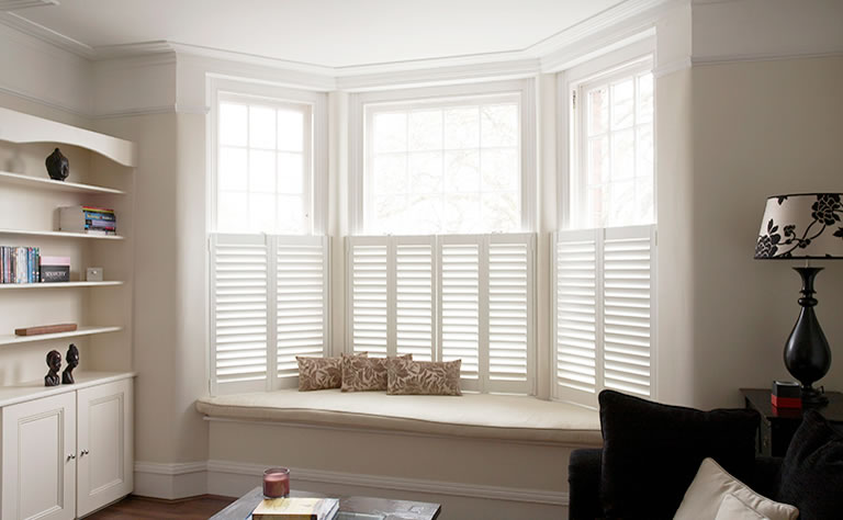 cafe-style-shutters-for-bay-windows